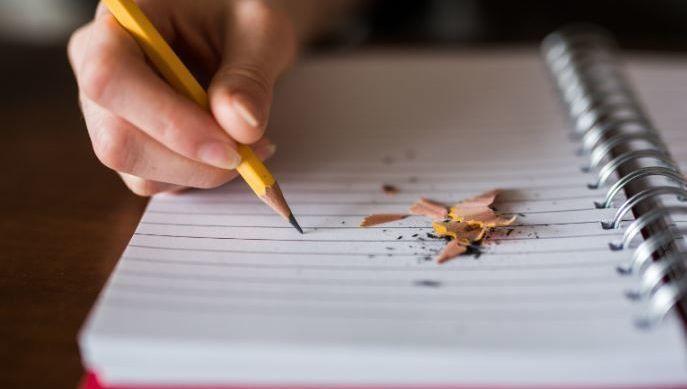 lapiz, libreta, análisis