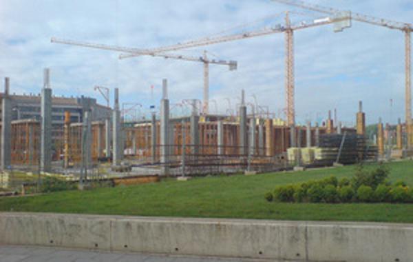 Le_C3_B3n_Plaza_construcci_C3_B3n