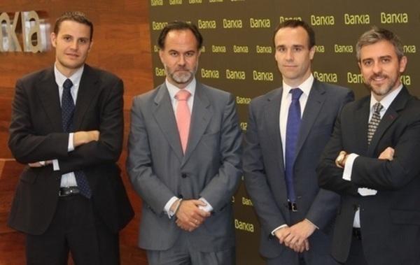 Equipo_de_fondos_de_fondos_y_Retorno_absoluto_de_Bankia