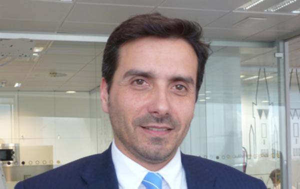 Carlos-Gutierrez_AvivaGesti_C3_B3n