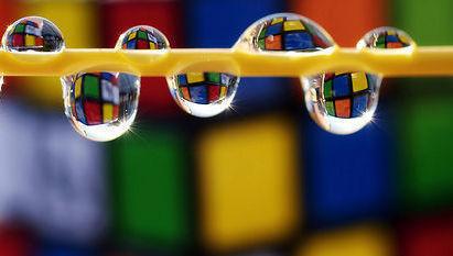 Gotas, liquidez, cubo de rubik, colores, análisis, volatilidad