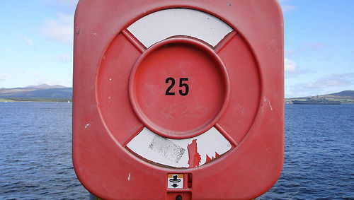25, veinticinco, número, salvavidas, refugio, agua