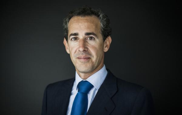 Álvaro Guzmán de Lázaro azValor
