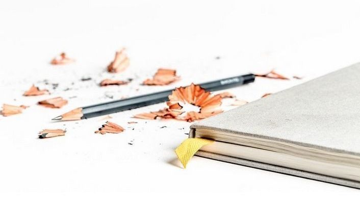 Libreta, lápiz