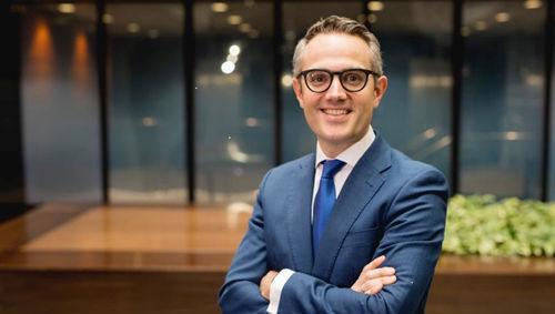 David Azcona, Beka Financer