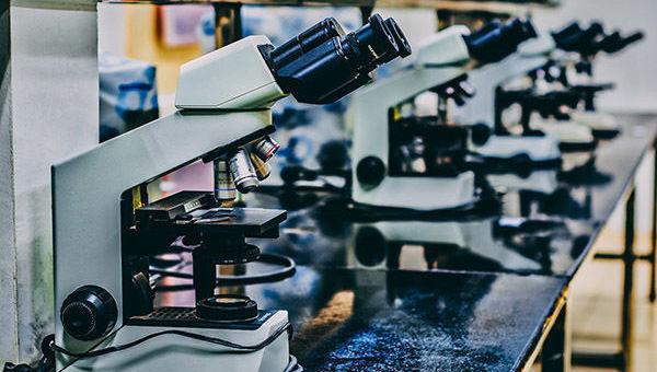 Microscopio, medicina, salud, megatendencia, detalle