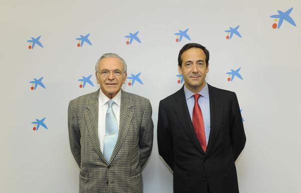 El_presidente_de_CaixaBank__Isidro_Fain_C3_A9__y_el_consejero_delegado__Gonzalo_Gortaz_C3_A1r