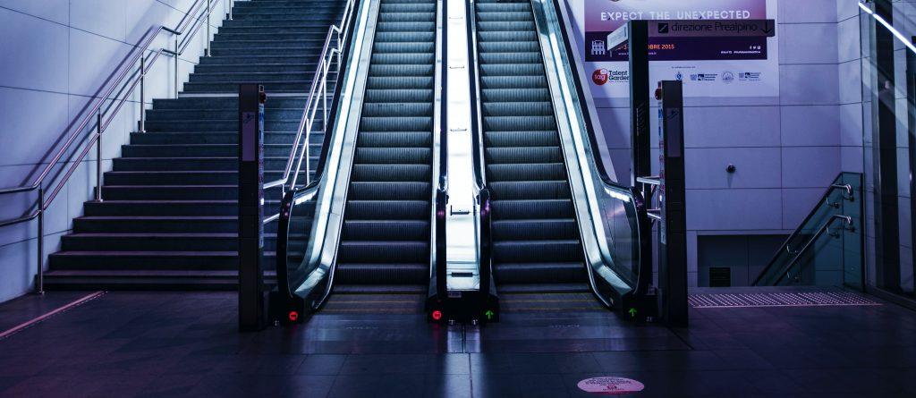 Escaleras Subida Bajada