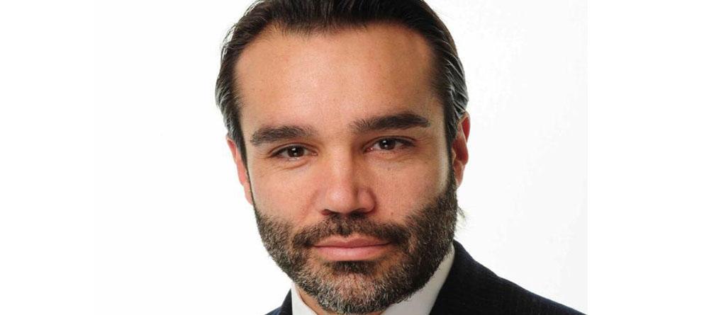 Carlos Flores, Metagestión