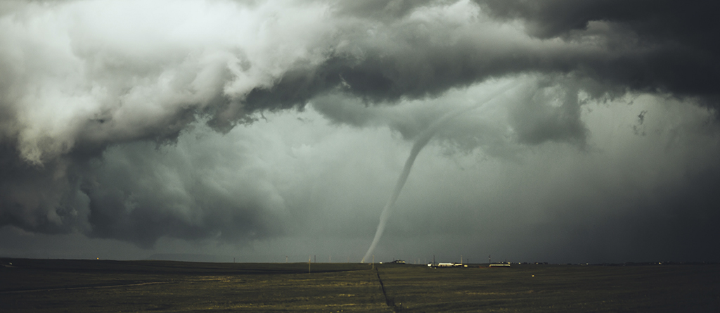 clima_cambio climatico_tornado_nubes_esg_isr