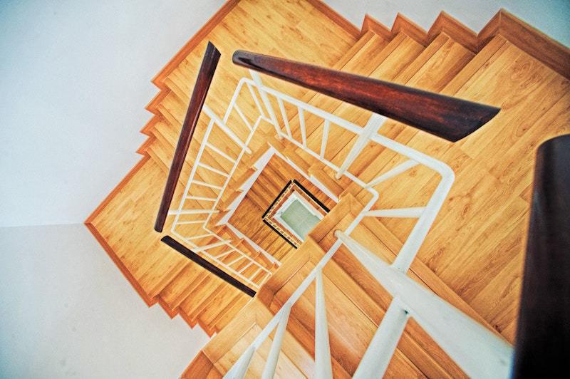 queda escadas