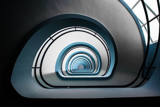 curve_queda_color_stairs