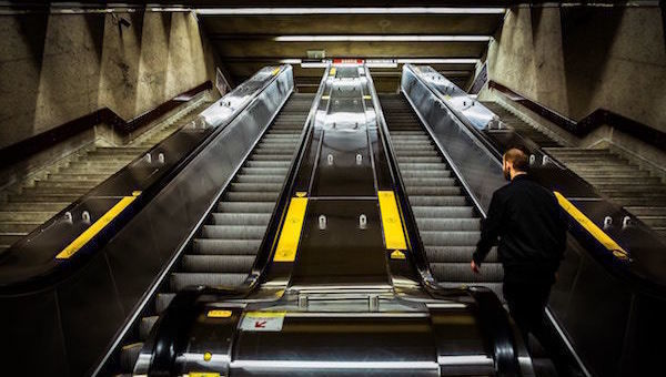 stairs_subir_crescer_yellow_funds_psi20