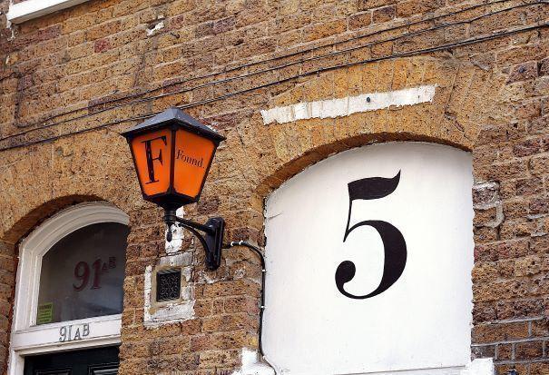 cinco,