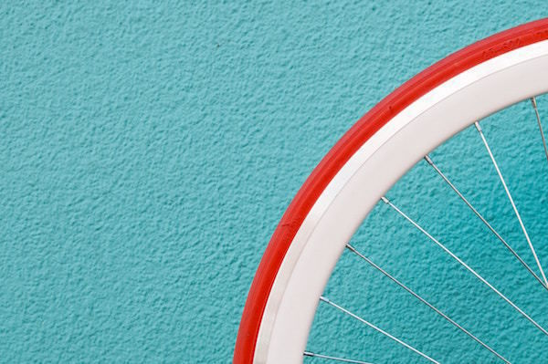 colors_wheel_red_line_white_down