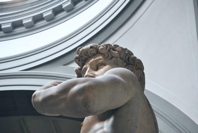 escultura museu exposição
