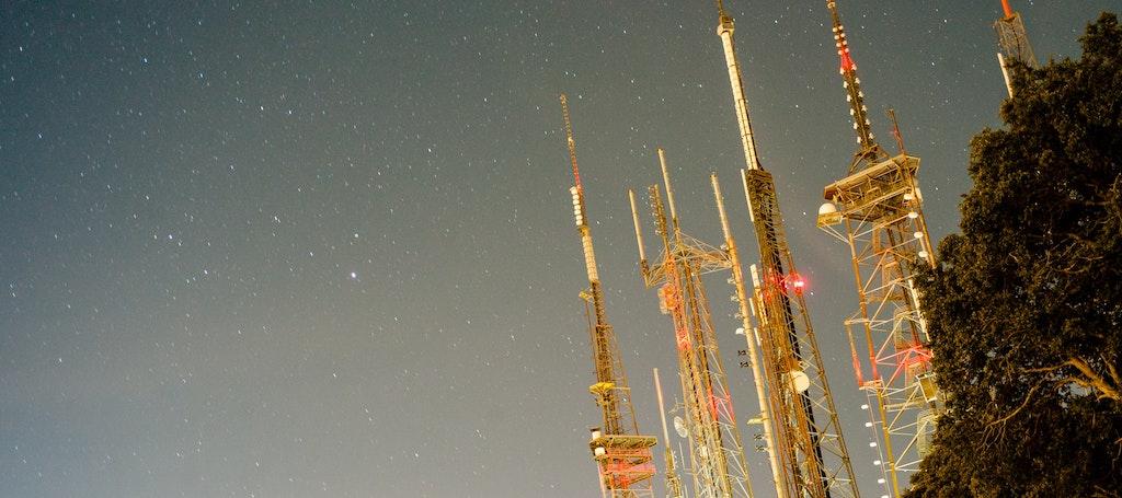 torre comunicação 5G antenas