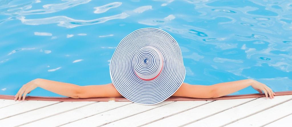 reforma pensoes piscina ferias azul descancar