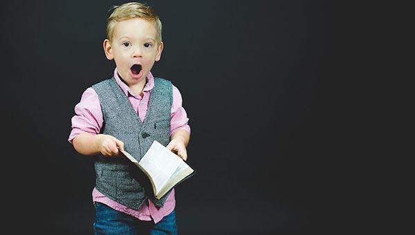 bambino_libro_imparare_leggere_educazione